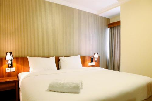 2BR Best Deal Apartment Great Western Resort By Travelio, Tangerang