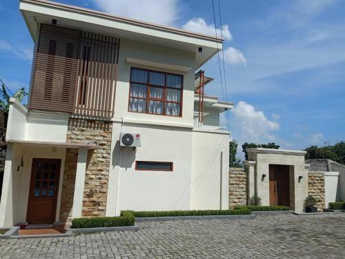 Villa egha, Bogor