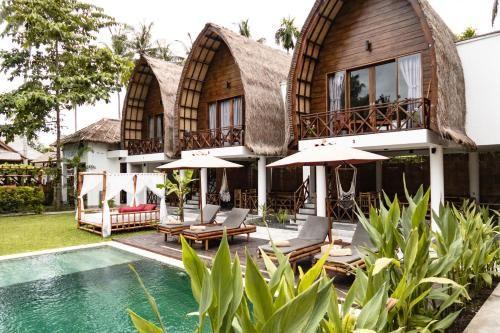 Martas Windows, Lombok