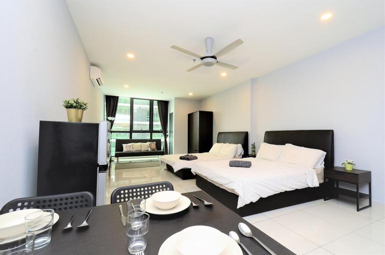 PJ KL Damansara Atria Sofo Luxury Suites 4-5pax, Kuala Lumpur