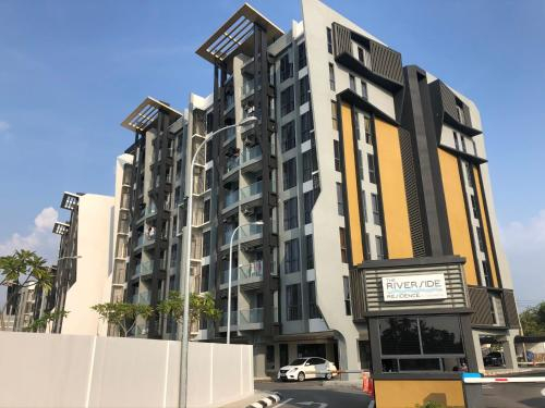 Riverside Residence for 6 pax by Gavia Home, Putatan