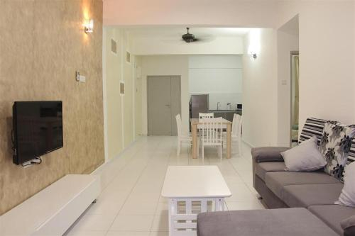 3 Bedroom Condo @ NEAR SPICE ARENA, Barat Daya
