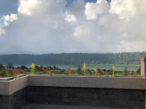 Buyan Lake View Villa, Buleleng