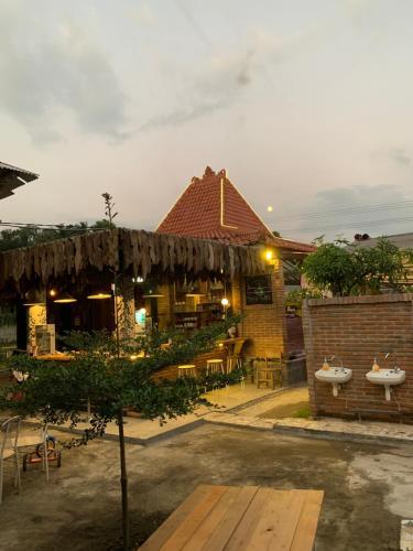 Djoglo Djatimalang Guesthouse, Blitar