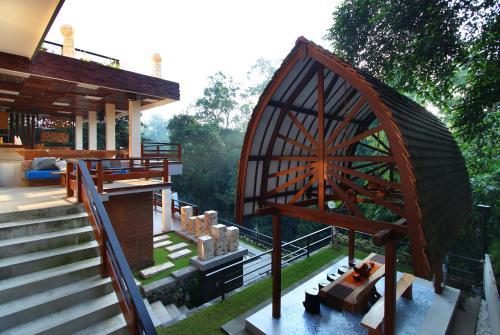 Little Ubud River View Saphire Suite, Denpasar
