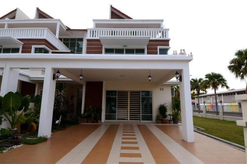 Paradise Symphonia Resort Home @ Tanjung Tokong, Pulau Penang