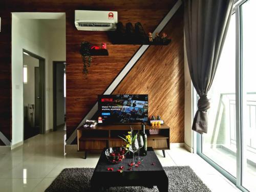 Budget & Comfort 6 Pax New ID Design Airport KLIA, Seremban