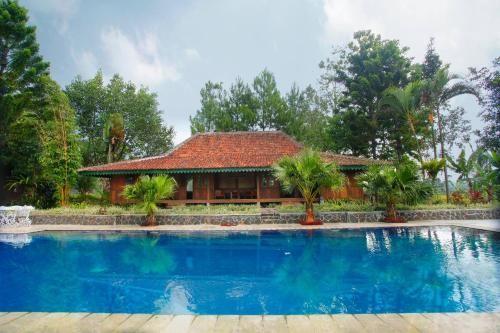 Trevpack Katumbiri Resort, Bogor