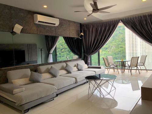 Arte S ◆ Hill View ◆ Cozy @ FREE WIFI 三房式山景豪华公寓, Pulau Penang