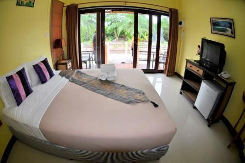 Ing Thara Resort, Tha Phae