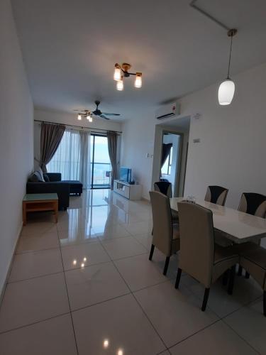 Raffles Suites 2 bedrooms Cosy Homestay, Johor Bahru