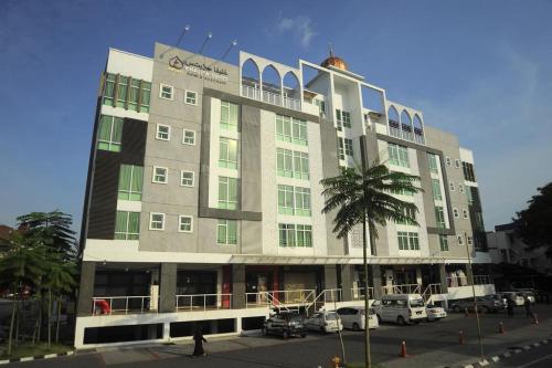 Khalifa suite guest house (nik adik), Kota Bharu