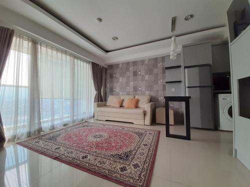 2 Bedrooms Comfy at The Hive Tamansari, East Jakarta