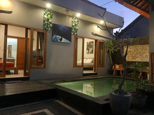 A homey share Villa with Pool, Denpasar