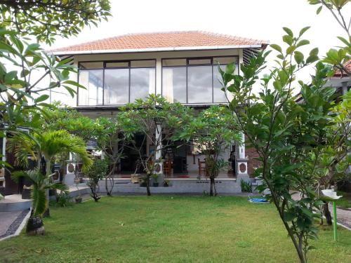 Puri Mandhara Lovina, Buleleng