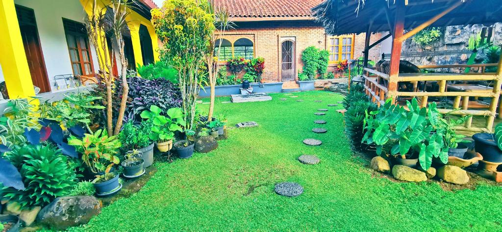 Sunnyplace Guesthouse Karawang Sukabumi, Sukabumi