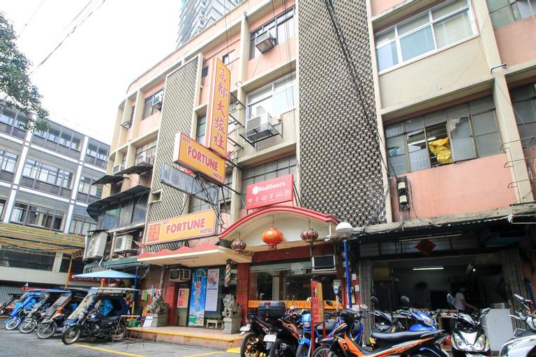 RedDoorz Plus @ Chinatown Binondo, Manila