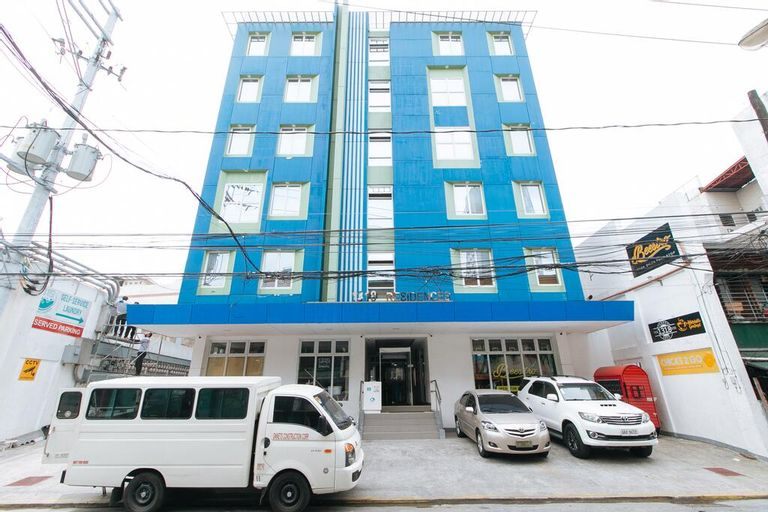 RedDoorz Plus @ 1318 Residences, Manila