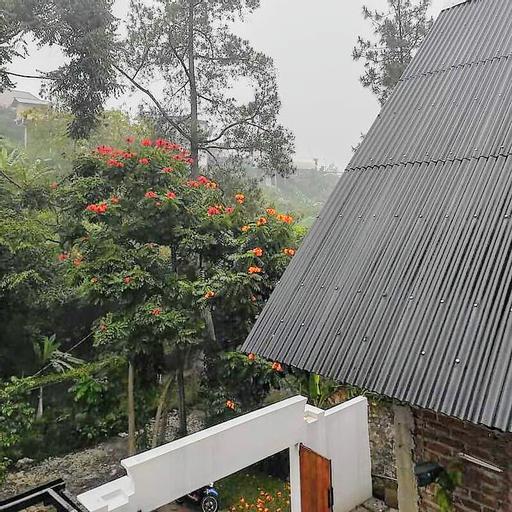 Ahmad Lodge and Garden View, Bandung
