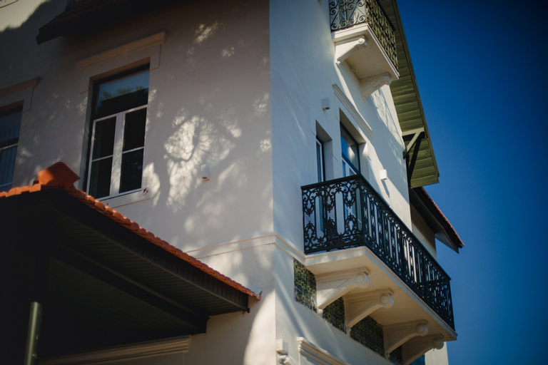 A HOUSE IN ESTORIL (ADULTS ONLY), Cascais