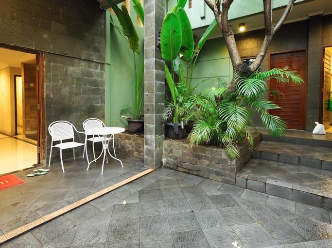 Rhiz Guest House, South Jakarta