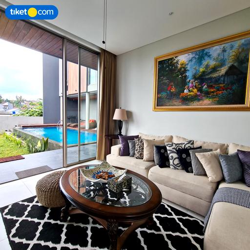 Arunika Villa Bandung 3 Bedrooms 10-Paxs, Bandung