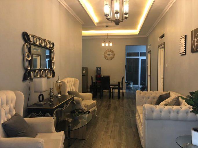 Cozy Modern Classic House, Bogor