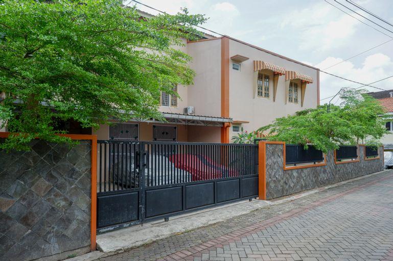 KoolKost Syariah near Gerbang Tol Jatingaleh Semarang, Semarang