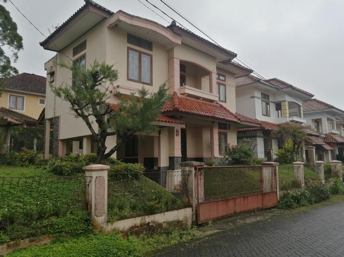 OYO 90384 Bukit Cipendawa Mc, Bandung