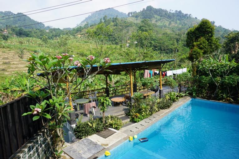 VILLA THE ARK Hot Spring Stone Sentul, Bogor