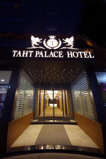Taht Palace Hotel, Merkez