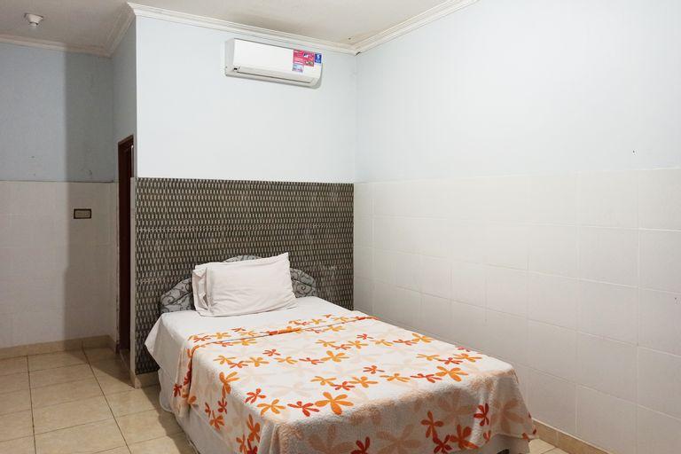 OYO 90387 Sepakat Guest House, Medan