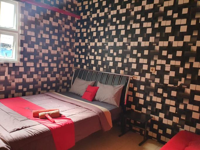 OYO 90368 Batu Adem Guest House, Malang