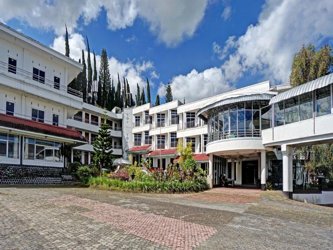 OYO 90028 Hotel Victory, Malang