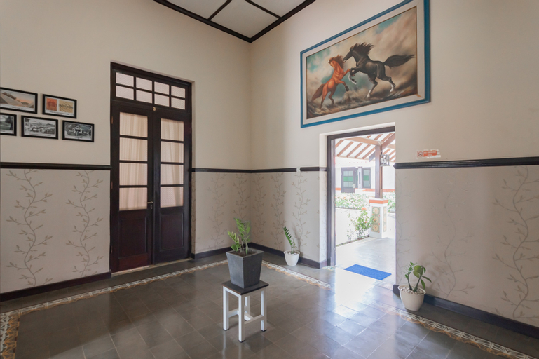 RedDoorz Syariah @ Kolonial Guest House, Majalengka