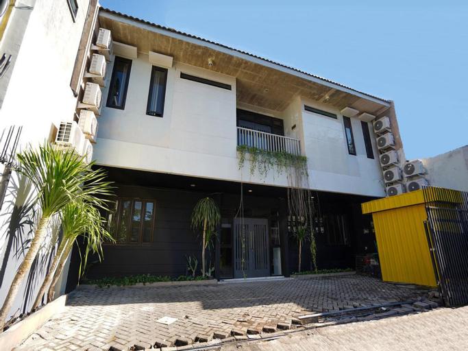 Claudya Residence Homestay, Surabaya