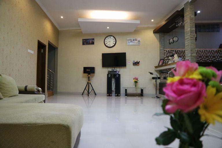 Van house, Bandung