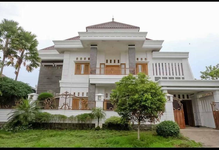 Daffi Syariah Araya, Malang
