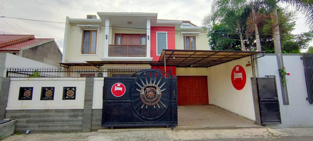 Omah Abang, Bandung