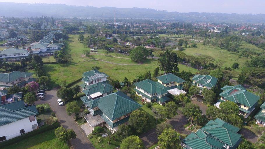 Puncak Resort Villa by Aryaduta, Cianjur
