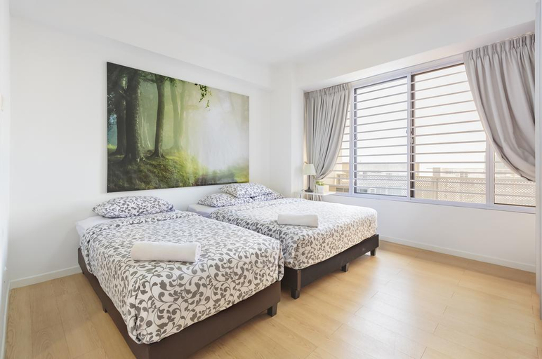2br Modern Business, Downtown Core