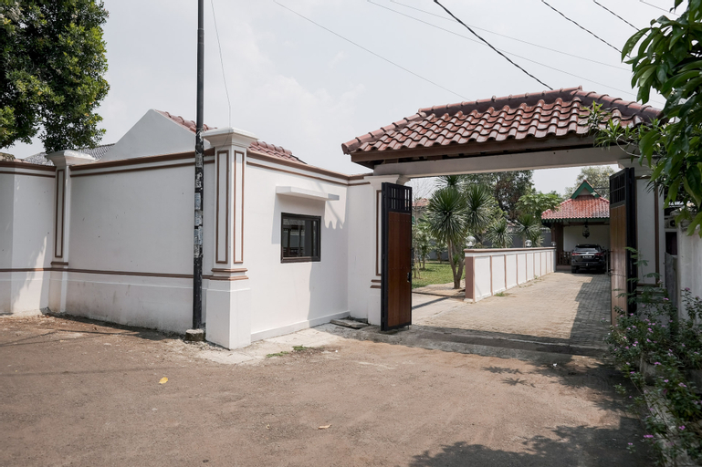 KoolKost Syariah near Jalan Veteran Raya (Minimum Stay 6 Nights), Tangerang Selatan