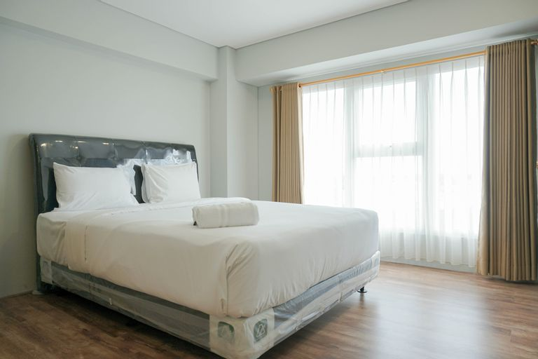 Gorgeous 2BR Apartment Maqna Residence By Travelio, West Jakarta