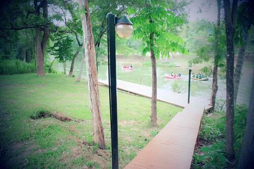 Slow Life Kaeng Krachan, Kaeng Krachan