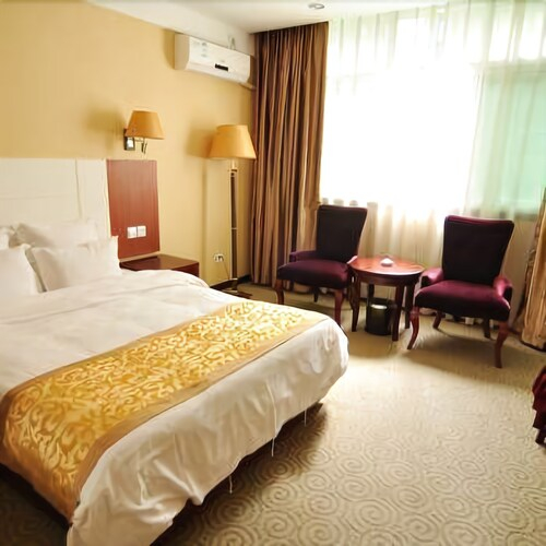 Rong Hua Hotel, Bazhong