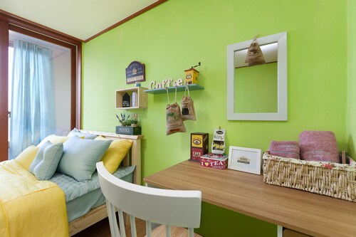 Lucere Binny's Guesthouse Type A, Seo