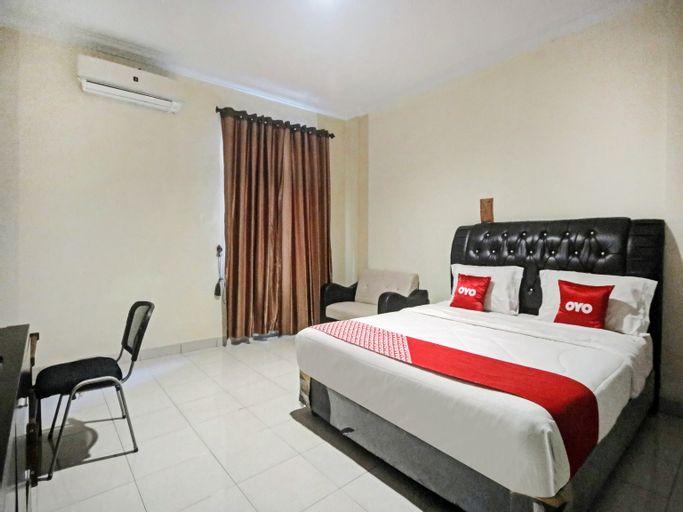 OYO 90381 Belva Guest House, Medan