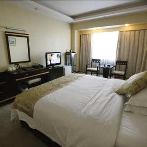 Heng Feng Hotel, Bazhong