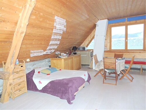 House With one Bedroom in Mont, With Furnished Terrace and Wifi - 3 km, Hautes-Pyrénées