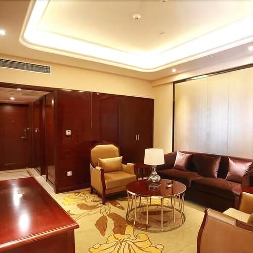 Mingdu International Hotel, Bazhong